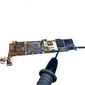 iPhone SE2020 (2.Gen) Backlight IC Reparatur